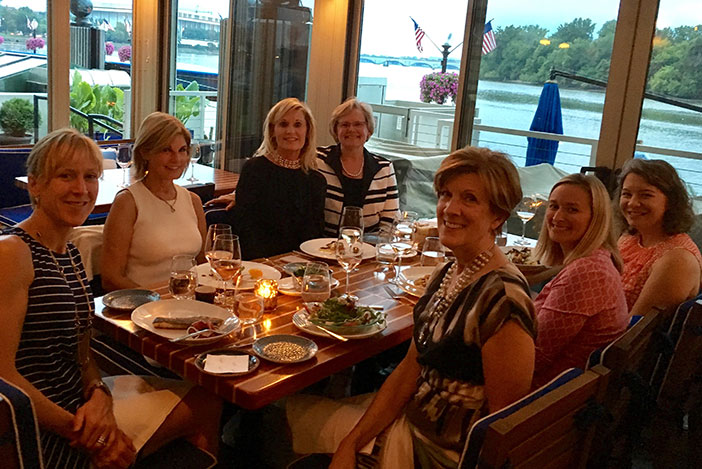 CREW Washington DC members having dinner with CREW Boston member Judy Nitsch